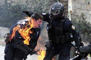Страйк в Греції переріс у сутички анархістів з поліцією