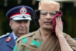 """Каддафи позвал в Ливию ООН, а США пригрозил """"кровавой войной"""""""
