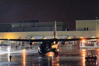 За українцями до Лівії вилетів другий літак
