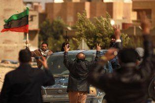 Прибічники Каддафі розстріляли демонстрантів після молитви