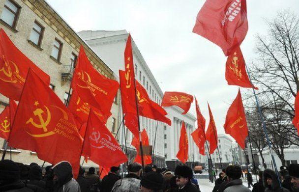 Генсек НАТО подякував комуністам за теплий прийом