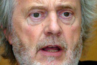 """64-річний британський політик зізнався у """"близьких стосунках"""" з дівчиною-підлітком"""