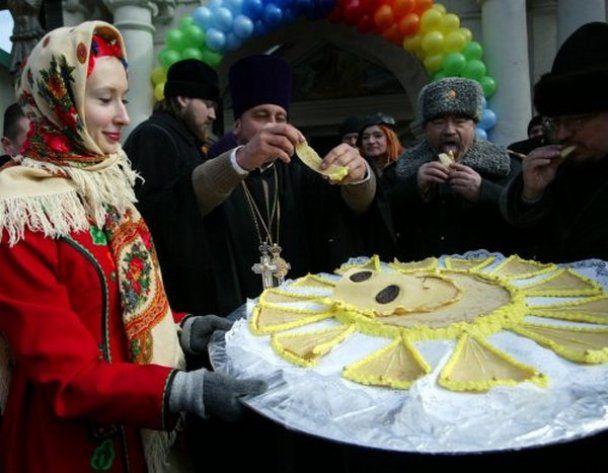 Началось празднование широкой Масленицы