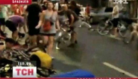 Автомобиль врезался в колонну велосипедистов
