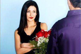 Украинки хотят получить на 8 марта цветы, доброе слово и новую квартиру