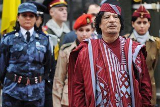 Лікарі зізналися, що зробили таємну пластичну операцію Каддафі