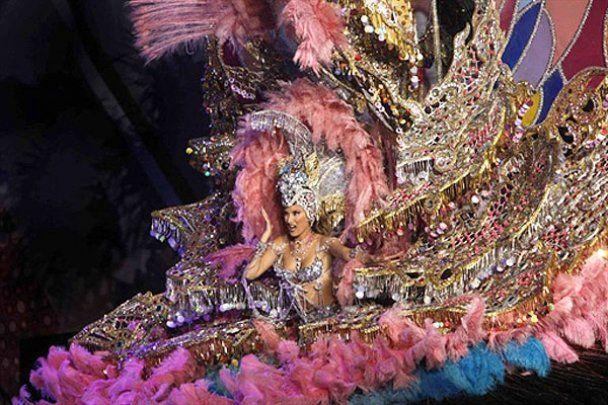 В Іспанії обрали королеву карнавалу Санта-Крус