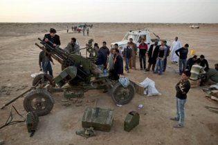 Верные Каддафи ВВС возобновили авиаудары по нефтяному центру Ливии