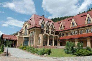 Депутати відмовились з'ясовувати, за чиї гроші ремонтують резиденцію Януковича