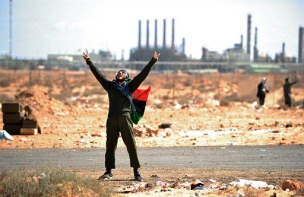 Танкісти Каддафі розгромили повстанців