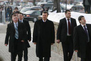 Телохранители Януковича знают три языка и имеют высокий уровень IQ