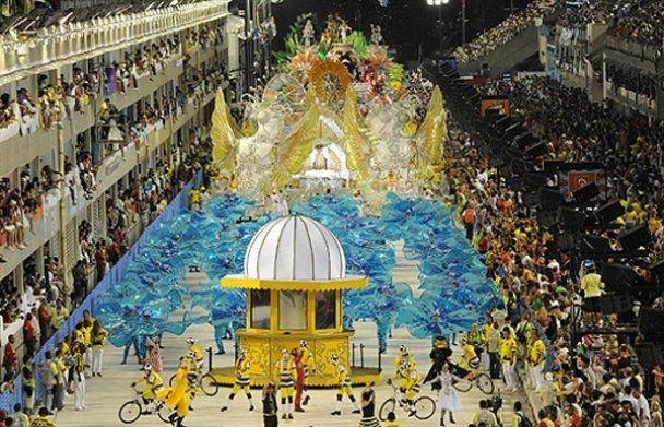 Найбільший у світі карнавал у Ріо-де-Жанейро
