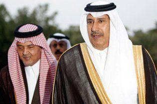 Держави Перської  затоки  оголосили  режим  Каддафі  незаконним