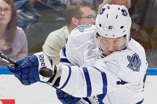 Білоруський хокеїст забив головою у матчі НХЛ (відео)