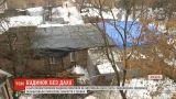 Без даху над головою: на Сумщині у багатоквартирному будинку обвалилася покрівля