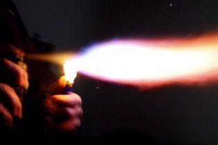 29-летняя девушка изуродовала соседку, использовав дезодорант  как огнемет