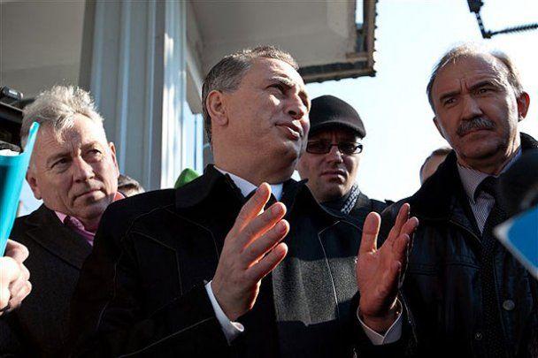 Борис Колесніков покатався на міській електричці у Києві