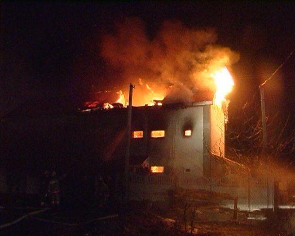 Під Києвом загорівся і вибухнув комплекс відпочинку: є жертви