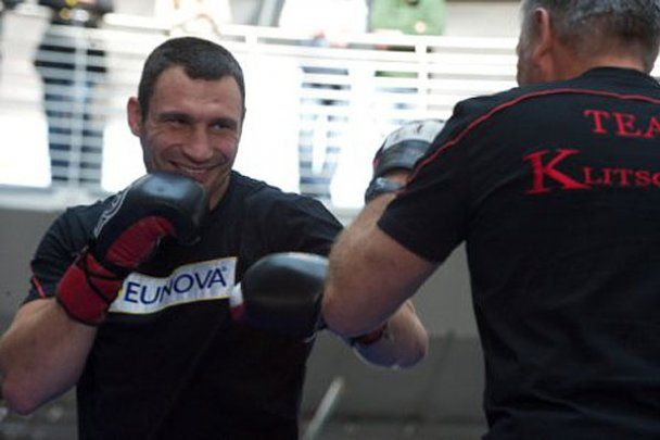 У Кельні Кличко боксував, а Соліс лежав на ринзі