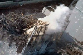 """З """"Фукусіми"""" евакуювали персонал: над АЕС піднявся сірий дим"""