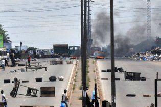 Войска Кот-д'Ивуара обстреляли рынок и дома оппозиции, десятки погибших