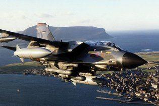 Услід за США до бомбардування Лівії приєдналися британські винищувачі
