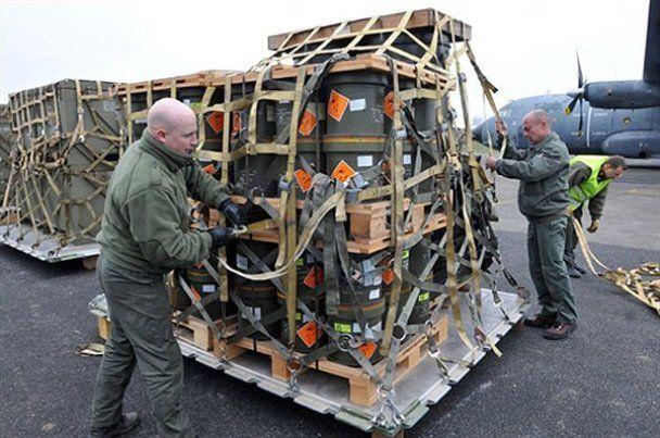 Експерти прогнозують об'єднання повстанців із військами Каддафі для боротьби з НАТО