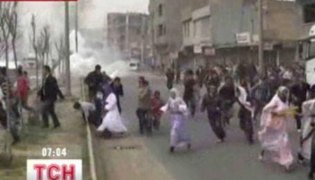 Празднование Навруза в Турции закончилось массовыми столкновениями