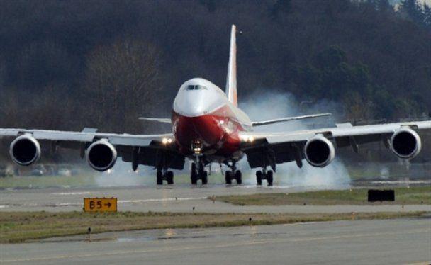 Найдовший пасажирський літак у світі вперше піднявся у повітря