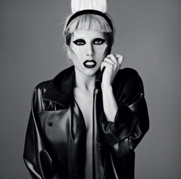 Lady GaGa знялась в образі оголеної інопланетянки