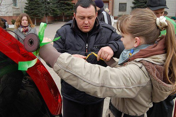 """В Україні стартував """"автомайдан"""": колони протестувальників рушають на Київ"""