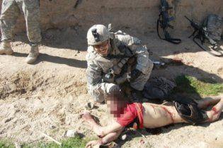 Скандал у НАТО: опубліковано фото солдатів США, які позують на тлі вбитих афганців