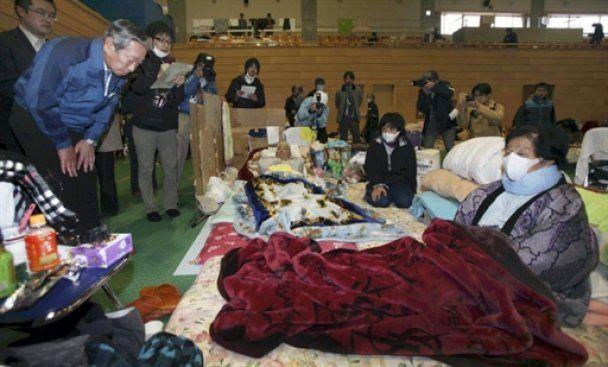 """Керівник """"Фукусіма-1"""" особисто вклонився кожному постраждалому японцю"""