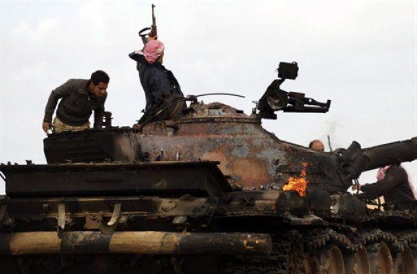Західна авіація відновила бомбардування Тріполі