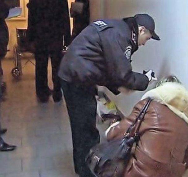 Київського суддю вбили 2 чоловіки 25-30 років