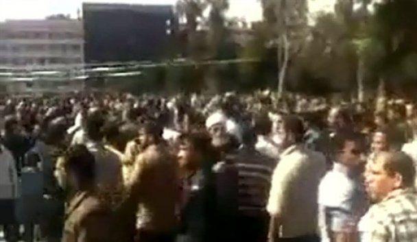 Кривава демонстрація у Сирії: від куль гинуть навіть діти