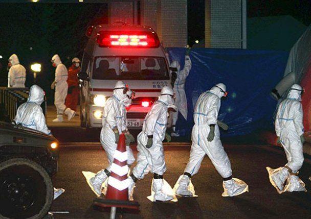 """Ліквідатори з АЕС """"Фукусіма-1"""" бояться смерті від перевтоми"""