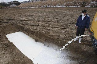 """Радиоактивность воды, вытекающей с """"Фукусимы"""" в океан, в 7,5 млн раз выше нормы"""