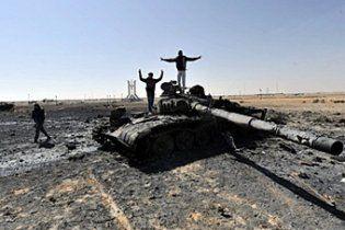 Ливийские повстанцы отвоевали у Каддафи город Адждабия