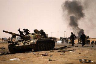 Війська Каддафі відвойовують північ Лівії: місто Зінтан в облозі
