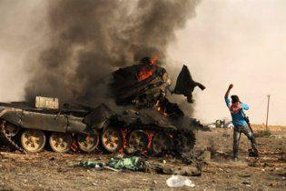 Британські літаки знищили 7 танкiв прихильників Каддафі
