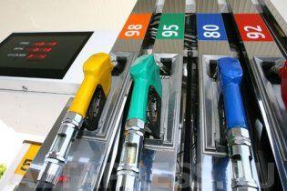 Украинцы стали меньше покупать качественный бензин