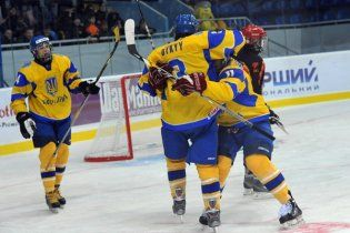 Украина уничтожила Испанию на чемпионате мира по хоккею
