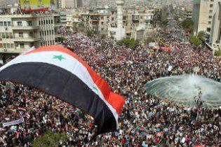 В беспорядках в Сирии погибли более 800 человек