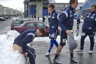 Норвежский тренер заставил футболистов садиться голыми в снег
