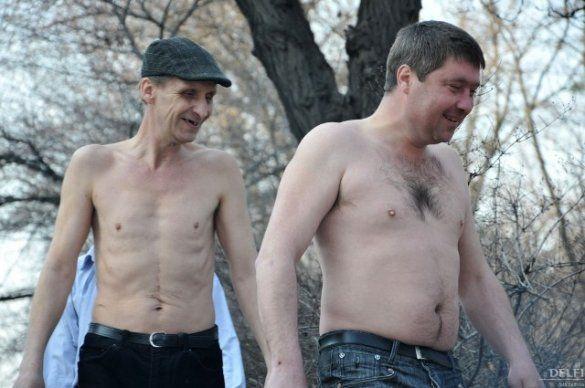 """Акція """"Віддай останню сорочку Азарову""""_1"""