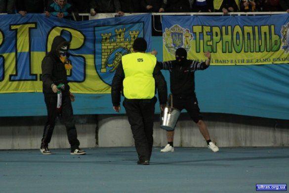Псевдофанати на матчі Україна - Італія_2