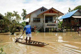 Разрушительное наводнение в Таиланде унесло жизни 252 человек