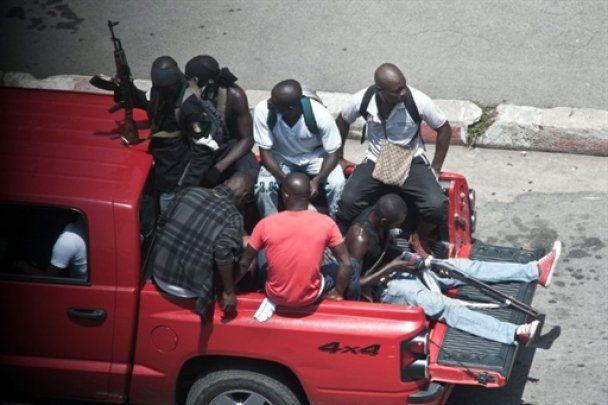 Революція в Кот-д'Івуарі: противники президента штурмують його резиденцію