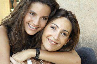 Встановлено вік, в якому жінка перетворюється на свою матір